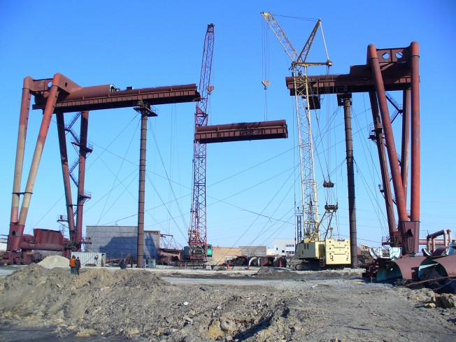 Gantry and Containers Cranes
