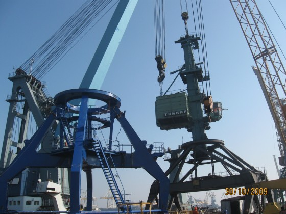 Replacement of Sokol portal crane portal, Chernomorsk STP