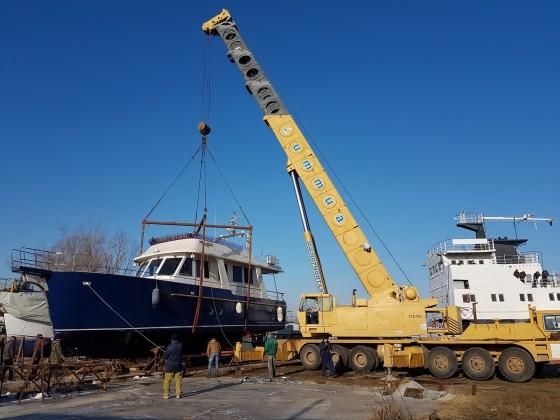 Комплекс работ по установке катера весом 40 т на зимовку, г. Херсон (копия)